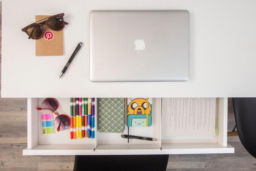 Uma mesa de trabalho organizada faz toda a diferença!