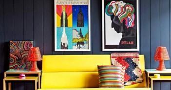 Sala decorada com cores primárias