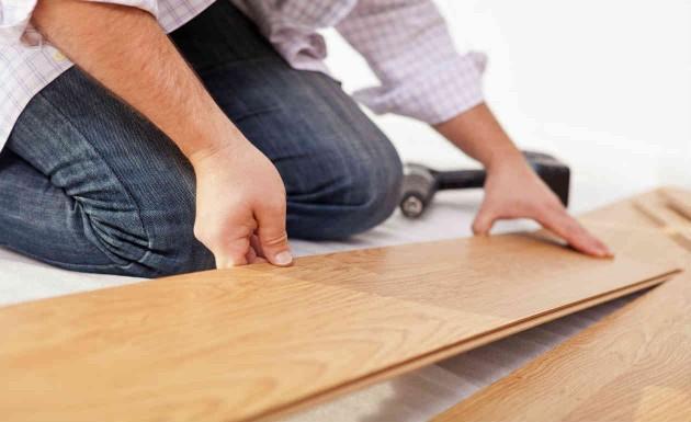 Colocação de piso laminado