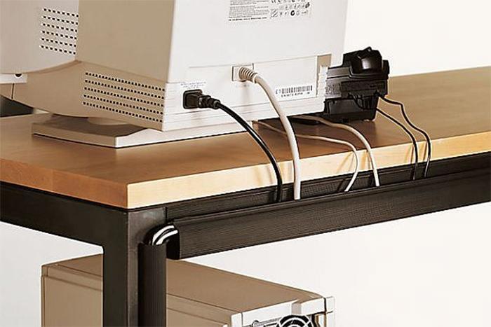 Canaleta para esconder fios de eletrônicos