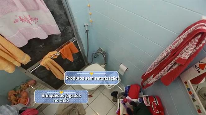 banheiro-pequeno-bagunçado-antes