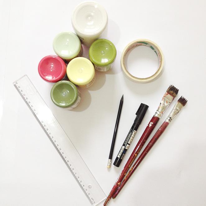 Como reformar uma banqueta de madeira com tinta e canetinha