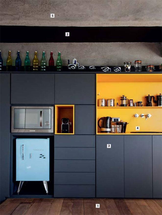 Aproveite aquelas gavetas pequenas dos armários de cozinha para criar