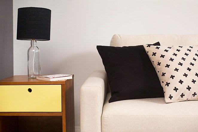 decoracao para sala de estar pequena com moveis coringas