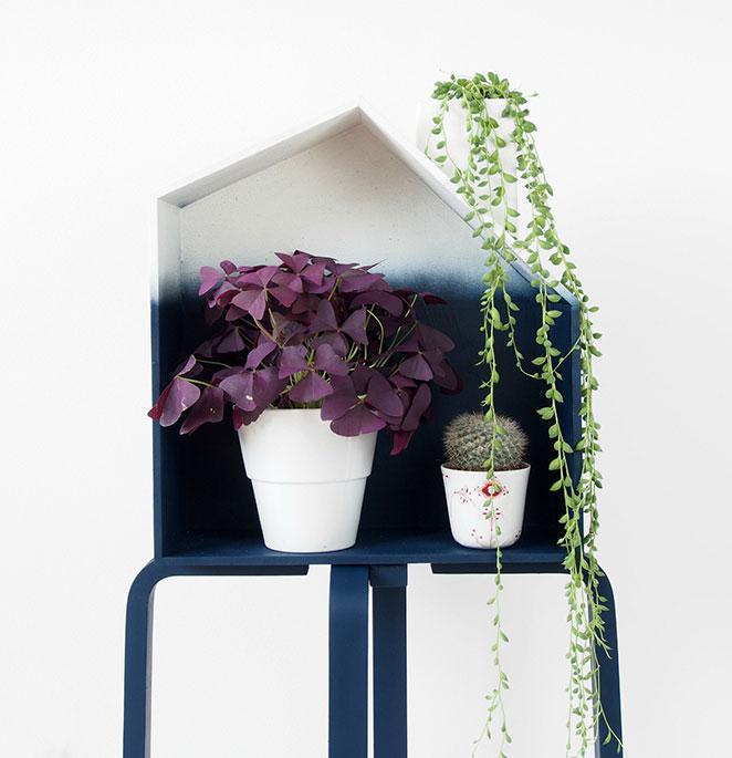 floreira em formato de casinha com pintura ombre