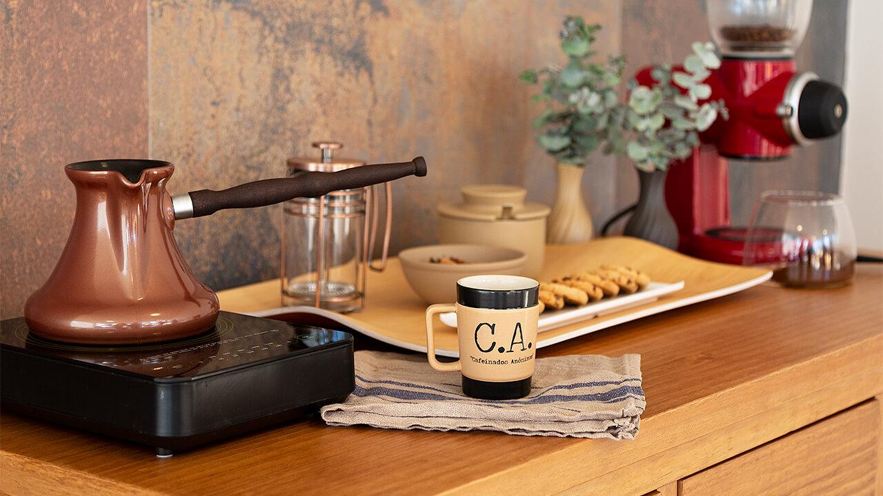 Decore o seu cantinho do café com xícaras da Manufakt.