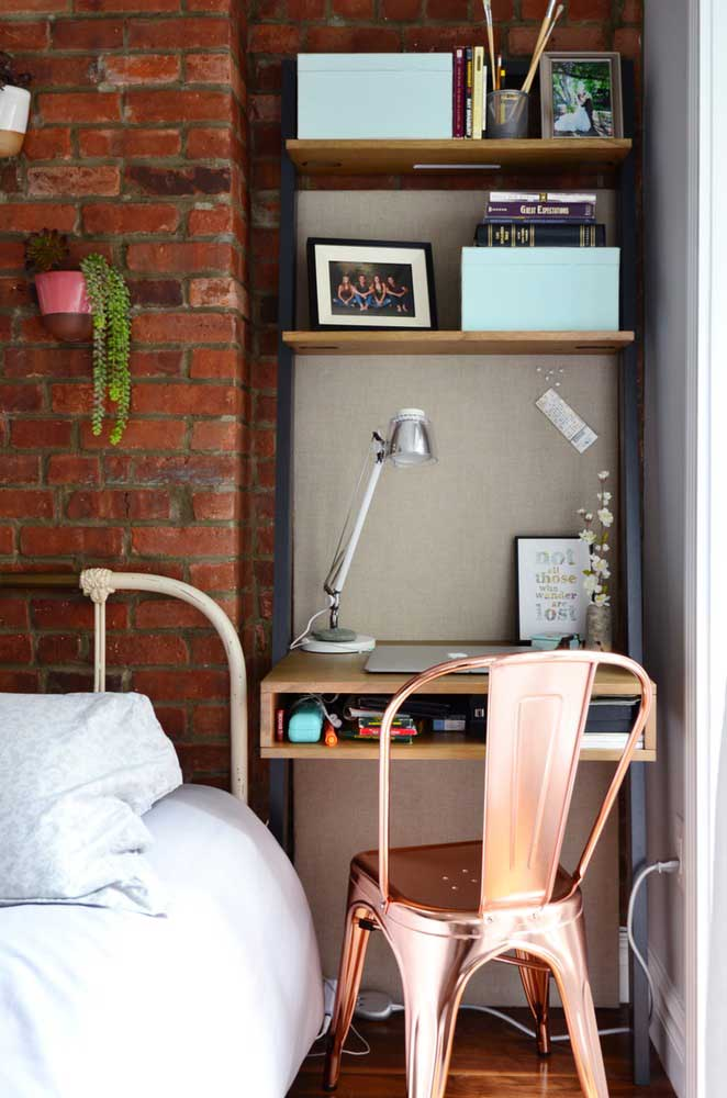 cantinho de estudo de apartamento pequeno decorado