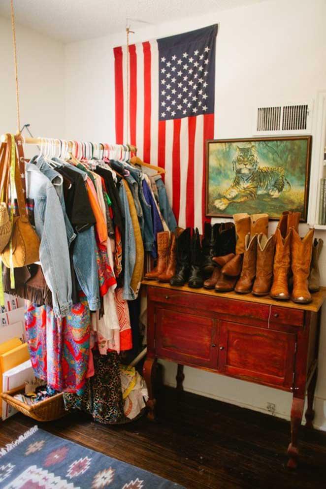 aproveitando o espaco vertical para organizar o closet