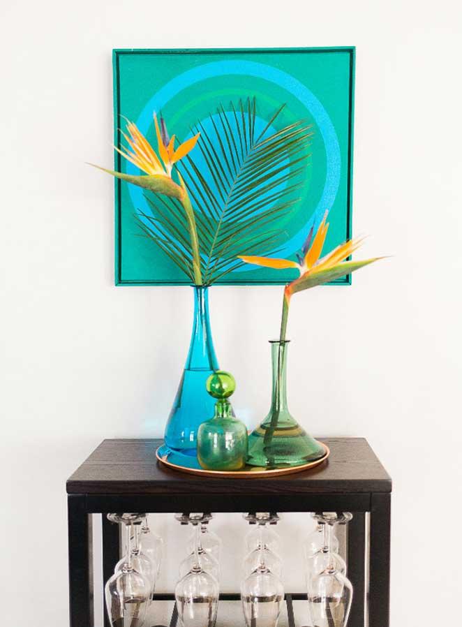 decoracao com plantas para sala de jantar e minibar