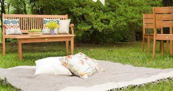 jardim decorado com espaco para piquenique