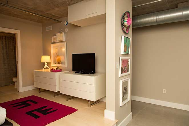 quarto de loft decorado
