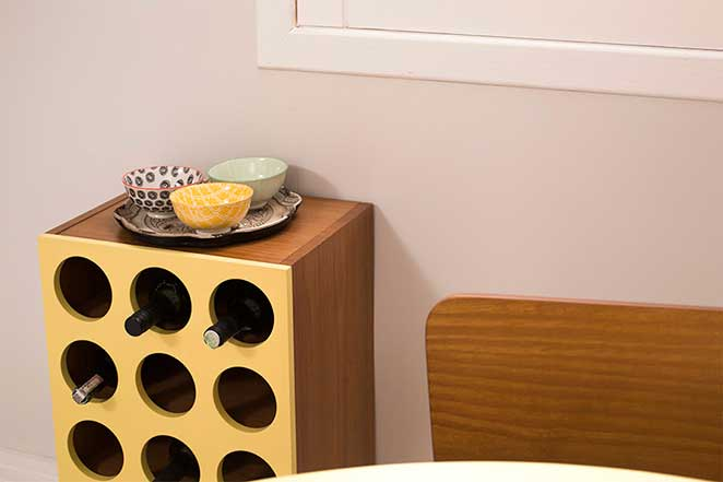 sala-de-jantar-pequena-com-adega
