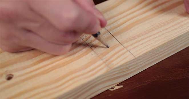 Como-fazer-uma-luminaria-de-mesa-marcacao-pe-furos