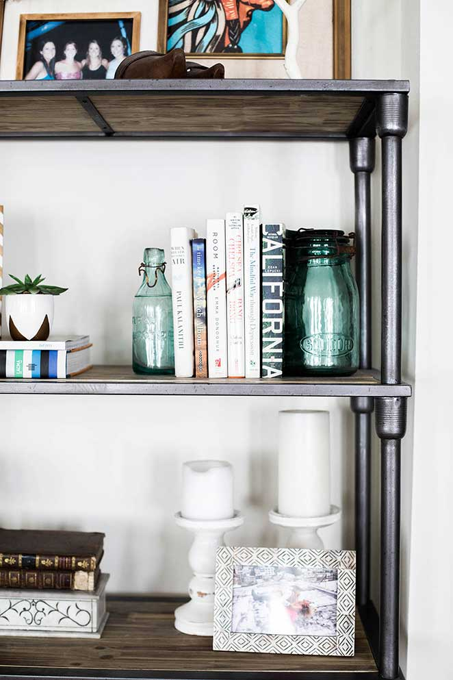 decoracao-simples-para-quitinete-estante-detalhes
