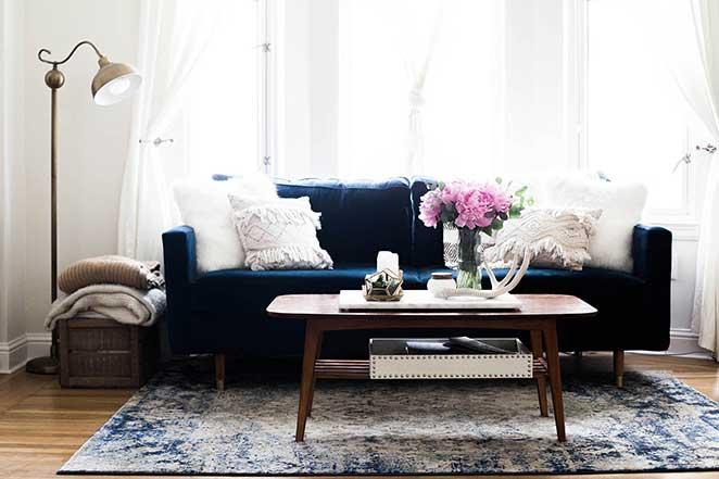 decoracao-simples-para-quitinete-sofa