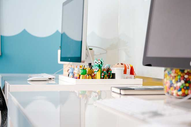 escritorio-pequeno-detalhe-personalidade