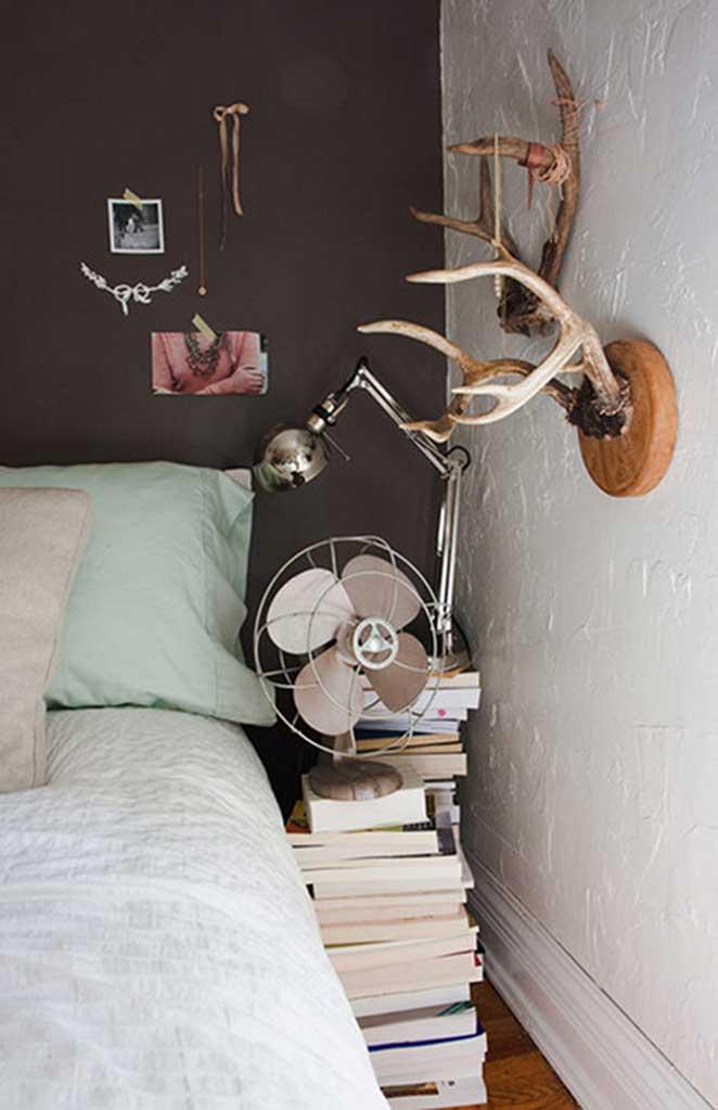 mesas-laterais-diferentes-livros-dois
