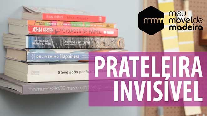 prateleira de livros invisivel
