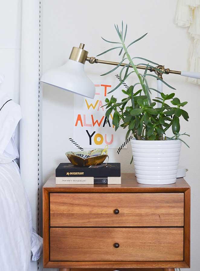 Decoracao-confortavel-quarto-de-casal-criado-mudo