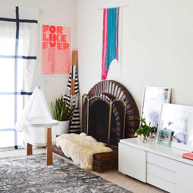 Decoracao-confortavel-sala-de-estar-lareira