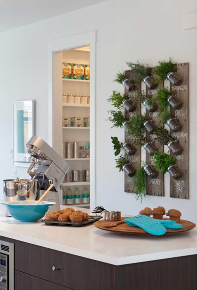 Horta-vertical-o-que-plantar-cozinha-vertical