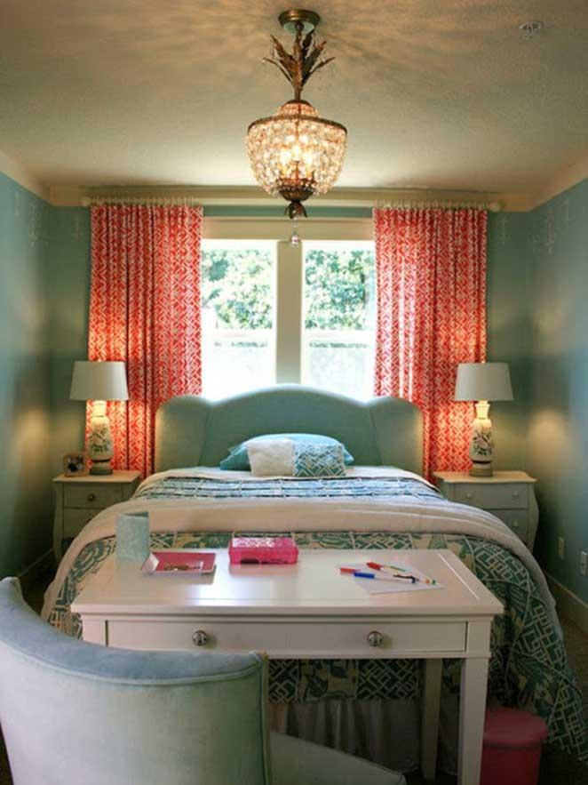 cabeceira-de-um-quarto-colorido