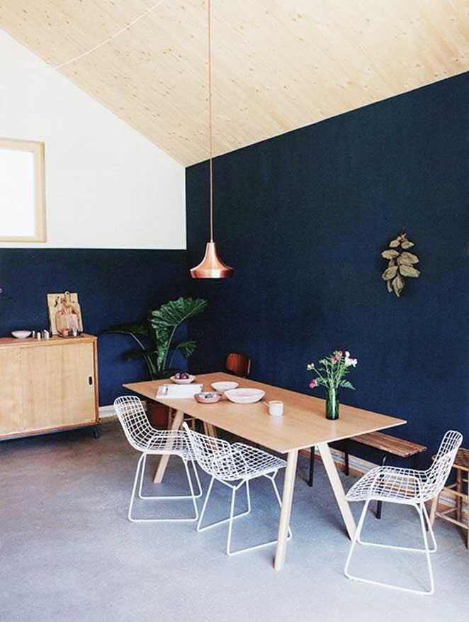 dicas-para-decorar-com-cores-escuras-sala-de-jantar