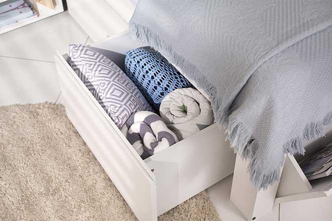 quarto-feminino-jovem-cama-detalhe-gavetas