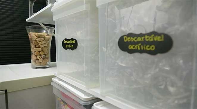 buffet-lado-caixas-com-tags