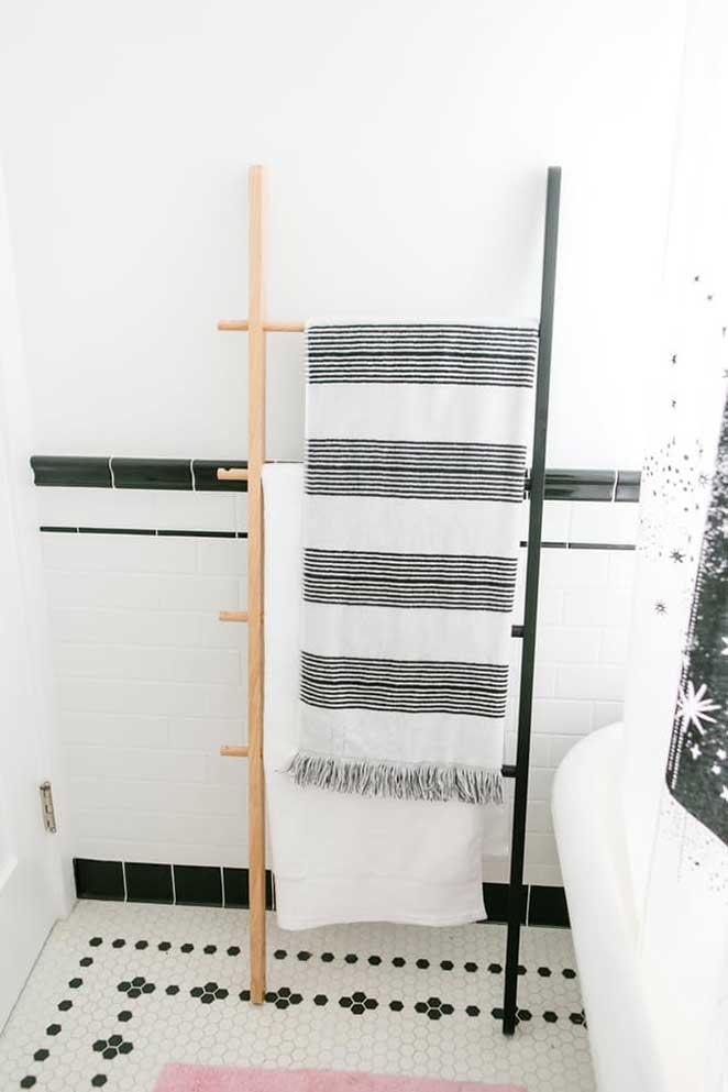 decoracao-colorida-banheiro-escada