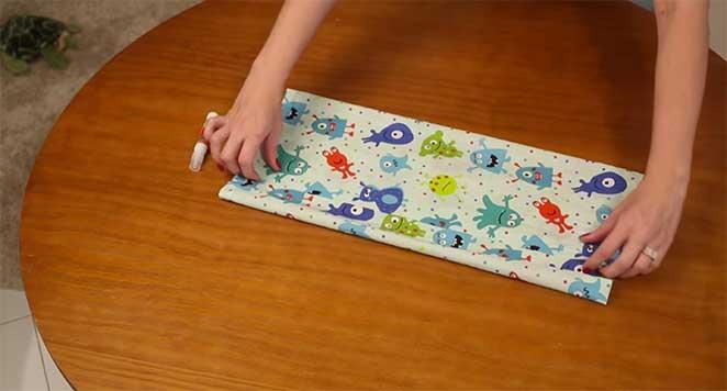 porta-livros-passo-2-tecido-dobradura