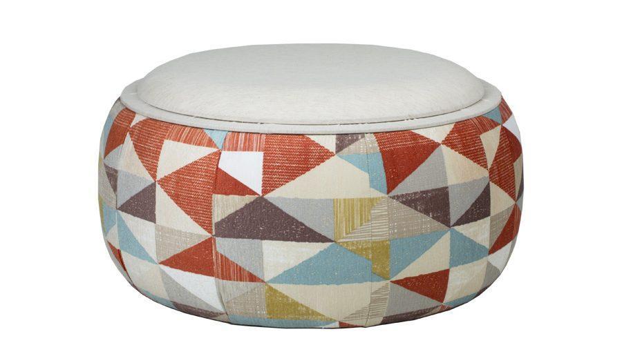 Puff / mesa com baú Koopa - colorido geométrico