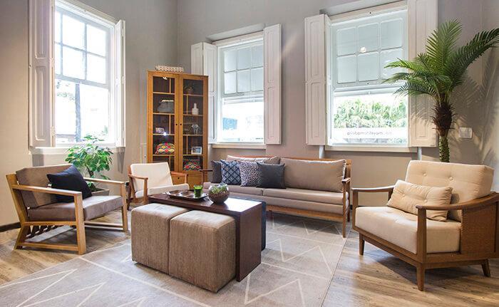 Vista interna da sala de estar da Casa MMM