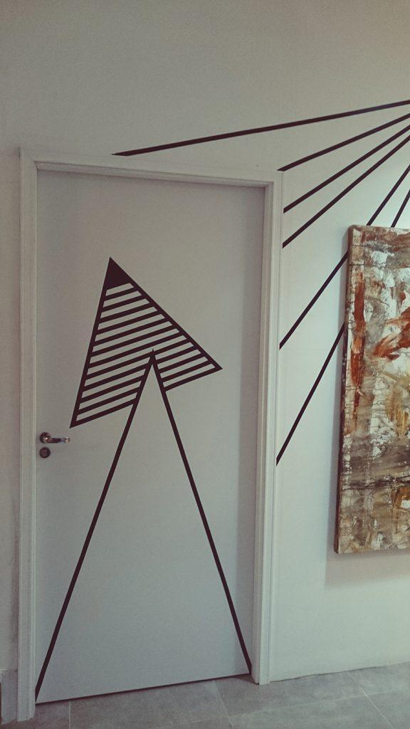 decorando portas: porta com desenho geométrico
