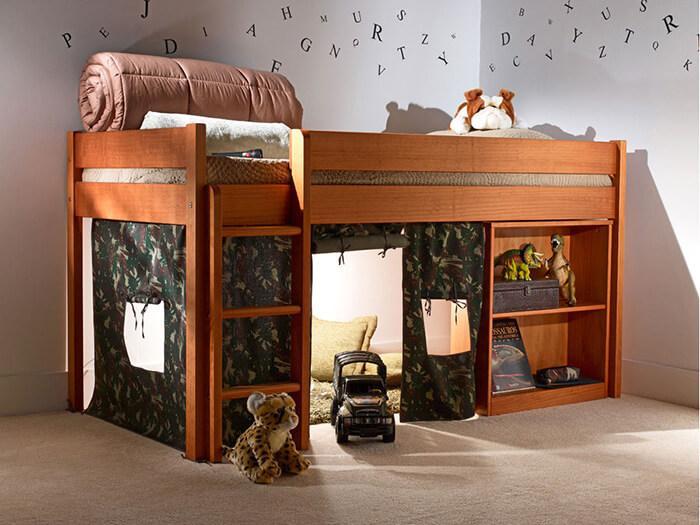 Quarto infantil com a cama com escrivaninha bella luna