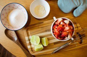 Ingredientes para fazer a geleia de morango