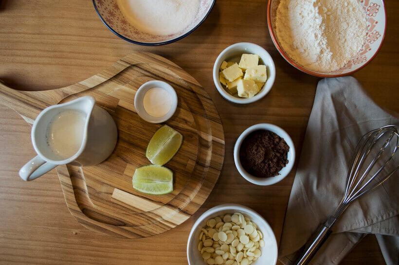 ingredientes para a receita de muffin de chocolate