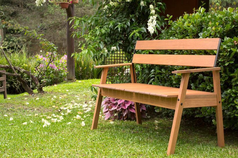 Como manter a durabilidade do banco de jardim