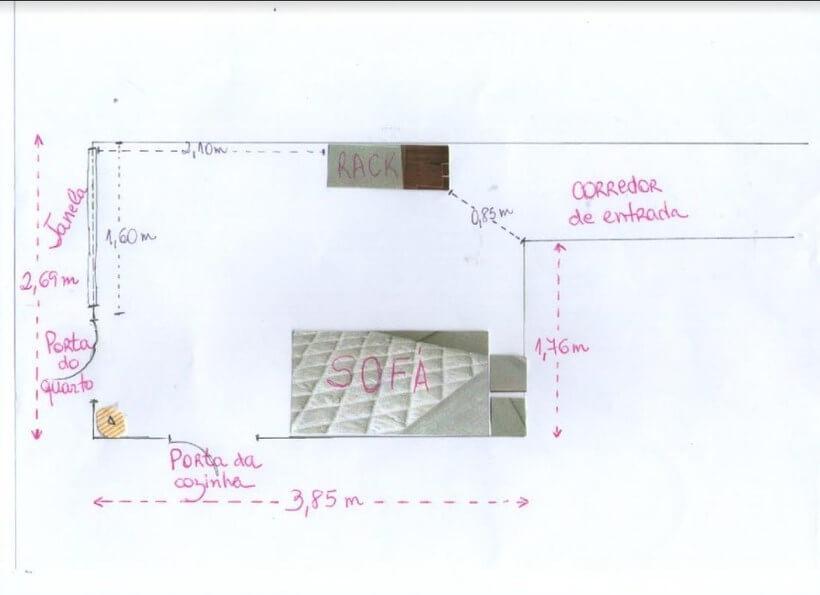 planta com rack e sofá e medidas laterais