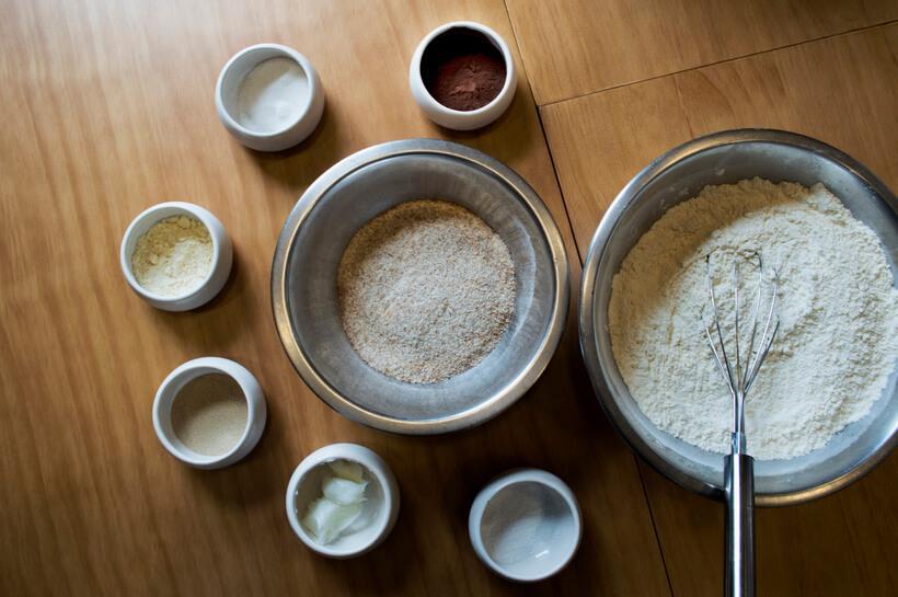 ingredientes para a receita de pao de cacau