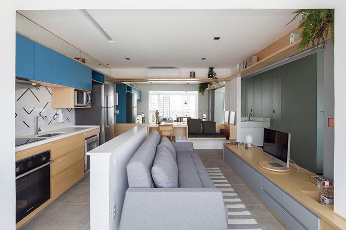Meia-parede entre a cozinha e sala de estar