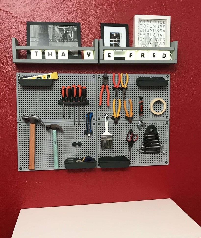 placa de painel pegboard para organizar ferramentas na oficina