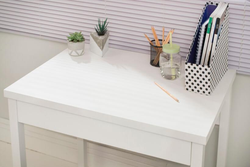mesa de trabalho em home office