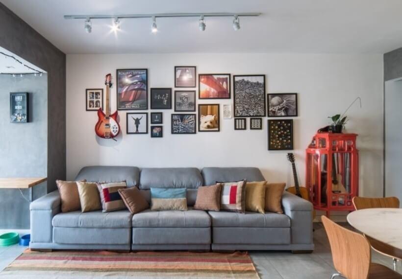 sofa da sala fazendo a divisa entre a sala de estar e a varanda no Apto Sumaré - Pietro Terlizzi (12)