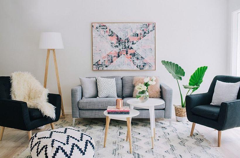 Living de estilo escandinavo decorado por Claudia Stephenson. Foto: Reprodução Decoist