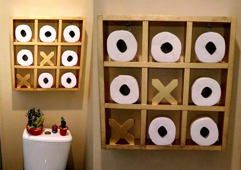 Suporte de papel higiênico em formato de jogo da velha
