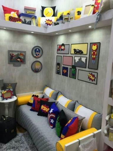 bicama com o quarto decorado