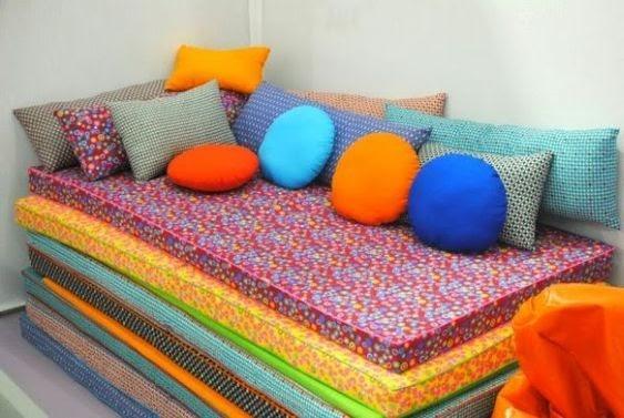 sofá de colchões