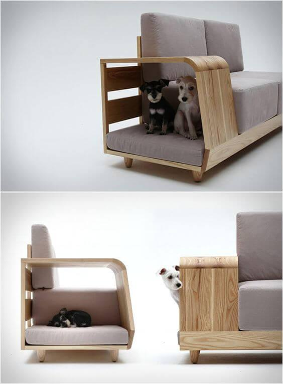 Sofá com abertura lateral para os pets.