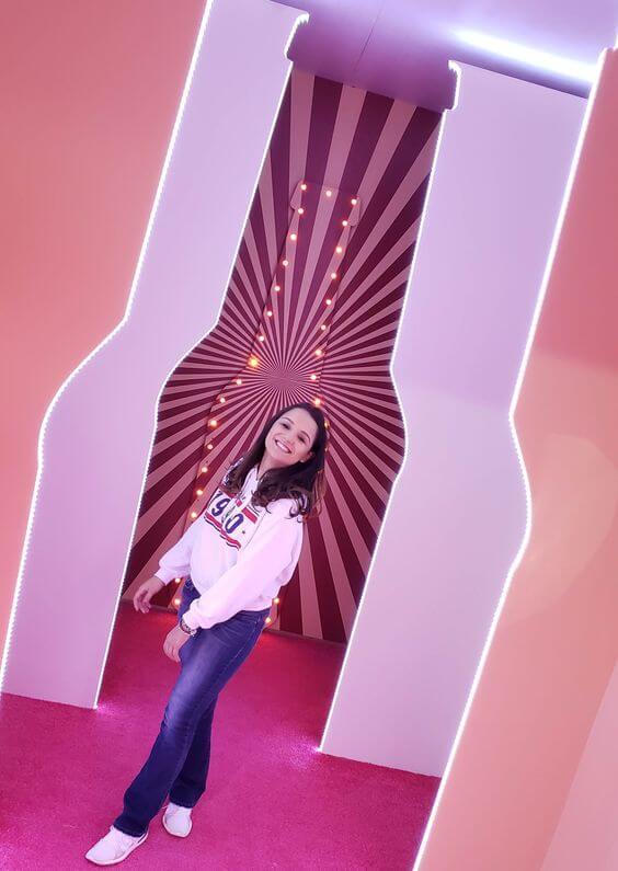 Karla no museu mais doce do mundo.